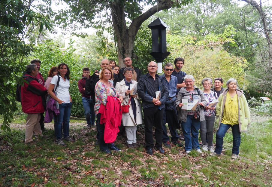 Marc Bottin a guidé des participants du programme CASA Nature 2019 à travers le jardin Thuret de l'INRA